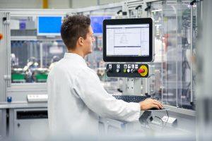 Phoenix Contact: PC industriali pronti per i controlli orientati al futuro
